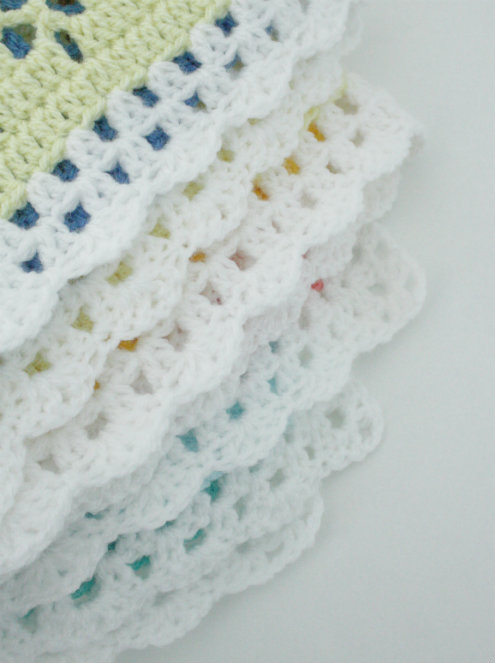 Victorian lace square crochet blanket | Victorian lace square gehaakte deken | Happy in Red