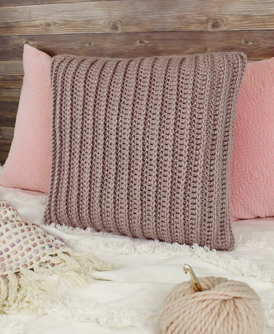 Easy basic crochet pillow case, photo and pattern Gleeful Things | Happy in Red