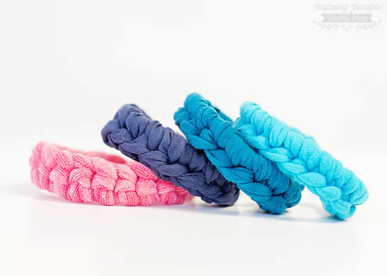 Crochet bracelet (photo by Scattered thoughts of a Crafty Mum) | Happy in Red