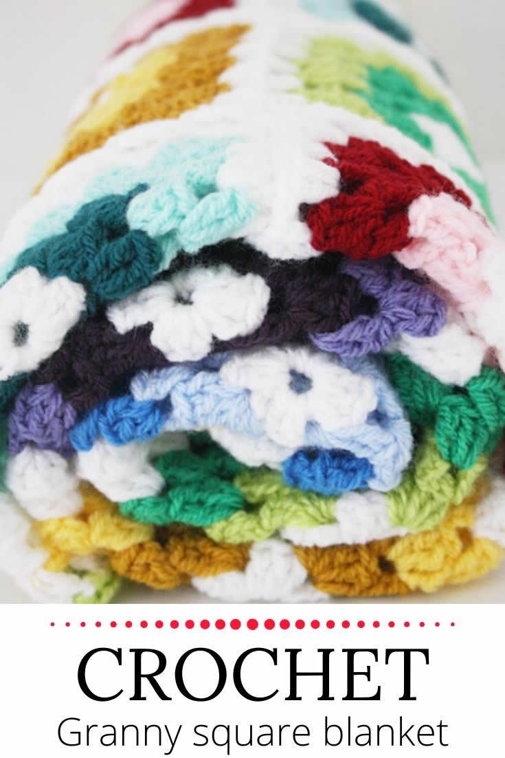Crochet granny square blanket | Happy in Red