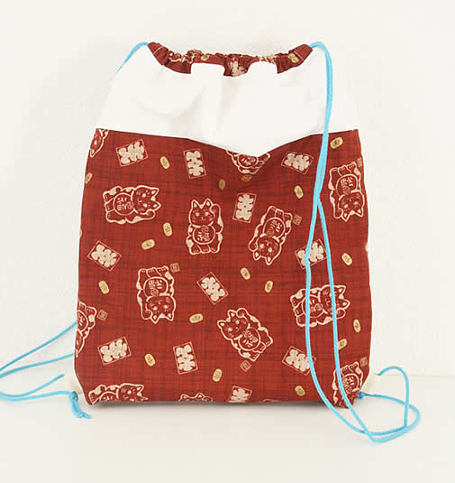 Drawstring backpack free sewing pattern | Drawstring backpack free tutorial | Happy in Red