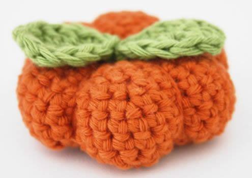 Crochet pumpkin pattern, free | Haakpatroon gehaakte pompoen