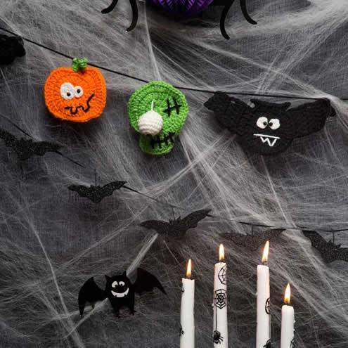 Halloween crochet | Halloween party banner by Yarn Spirations