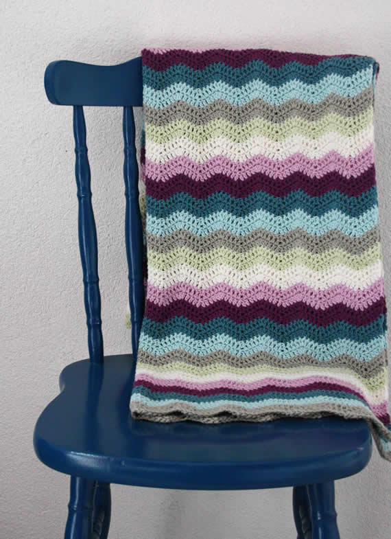 Crochet ripple blanket   Happy in Red