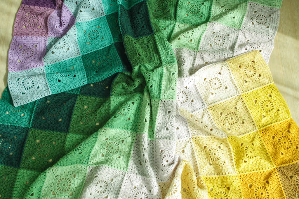 Crochet rainbow blanket pattern, Keep on Turning Blanket, free crochet pattern | Happy in Red