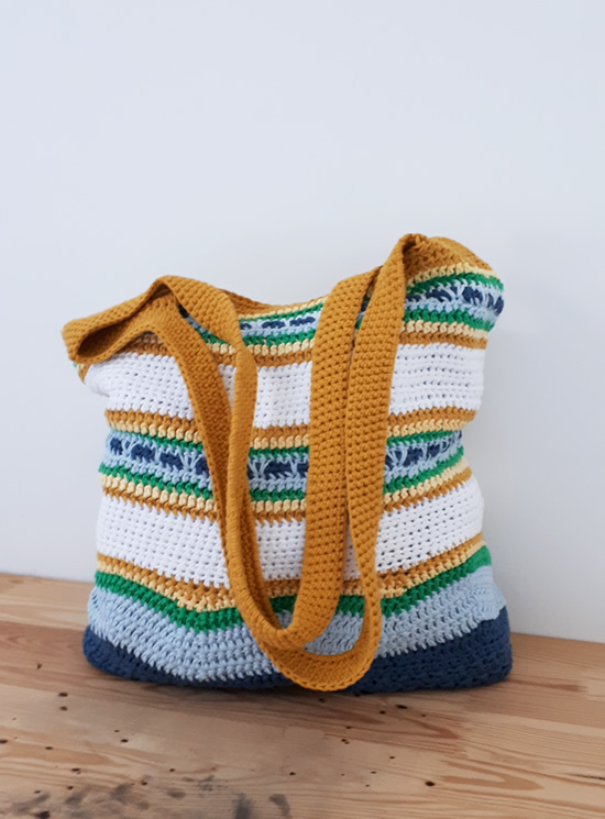 In the Yarn Garden CAL | Summer Bag CAL | Happy in Red
