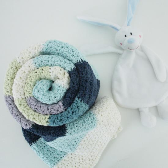 Crochet star stitch blanket | Happy in Red