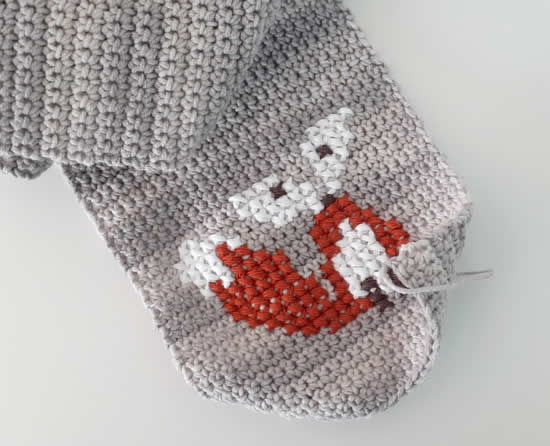 Cross stitch fox | Happy in Red (Source: Sewrella)