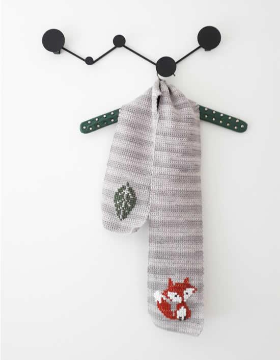 Fox scarf | DIY Fox scarf, free pattern | Happy in Red