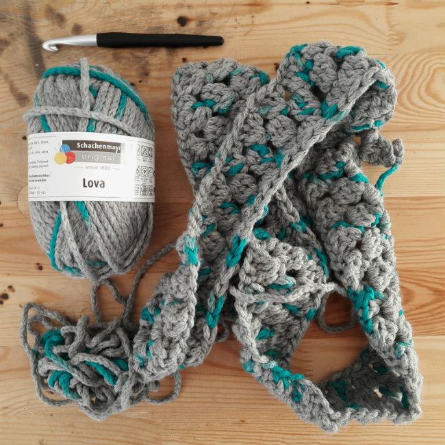 Schachenmayr Lova | Crochet cowl in Schachenmayr Lova