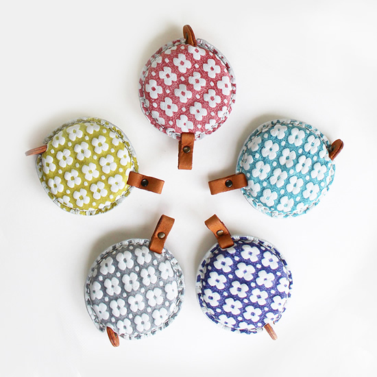 Crochet gadgets: Cohana measuring tapes | Happy in Red