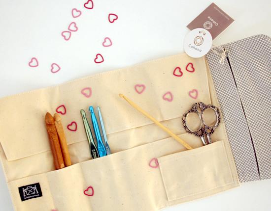 Crochet gadgets, Cohana Mikawa Momen Tool Case | Happy in Red