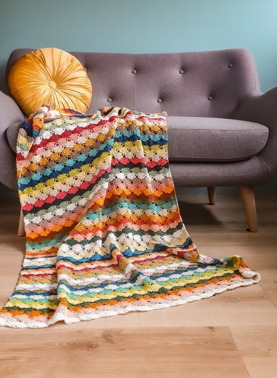 Majorelle Blanket, crochet scrap blanket | Scheepjes Catona Colour Pack Patterns | Happy in Red
