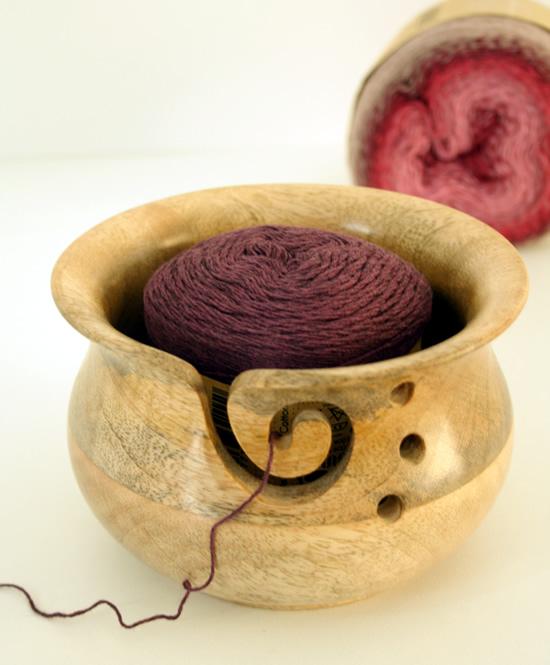 Crochet gadgets, yarn bowl | Happy in Red