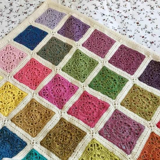 Emma crochet square blanket, Emma blanket (patroon van Dedri Uys)   Happy in Red