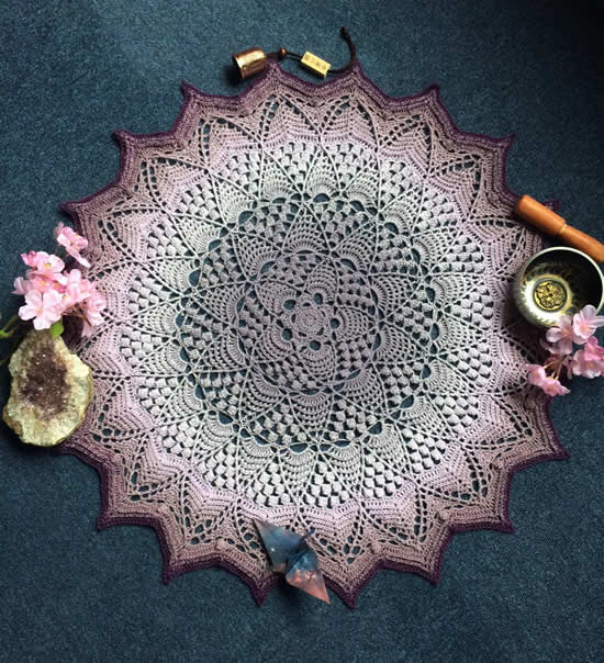 Scheepjes Whirl pattern, Lotus & Blossom mandala by Engimonogifts | Happy in Red