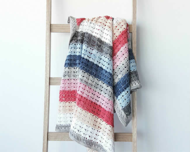 Sea shell blanket, pastels | Happy in Red