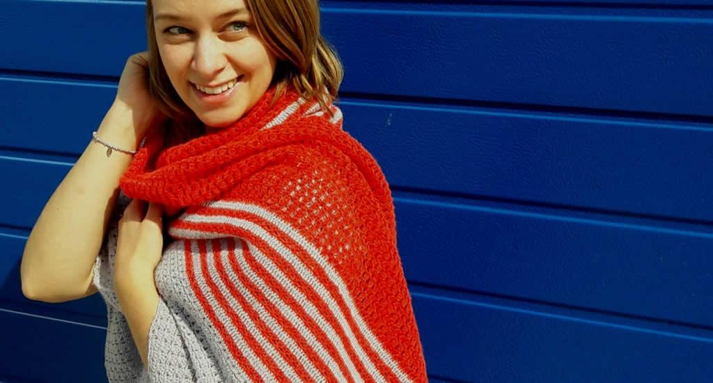 Sunrise shawl, lace crochet shawl | Crochet pattern by Happy in Red