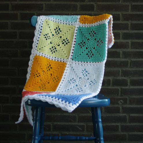 Victorian lace square crochet blanket | Victorian lace square crochet pattern | Happy in Red