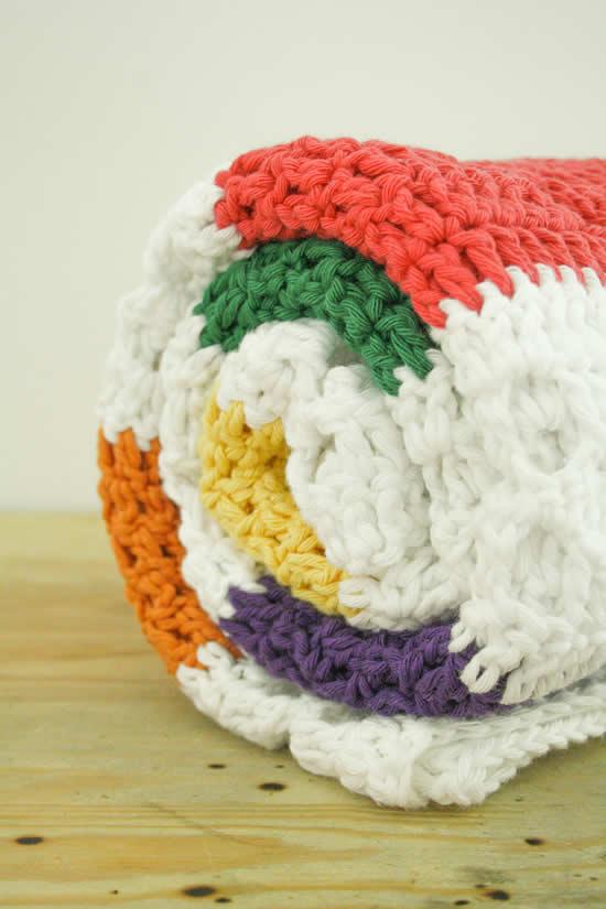 Funky Fifties Blanket (Drops Paris, Rico Creative Cotton Aran) | Happy in Red