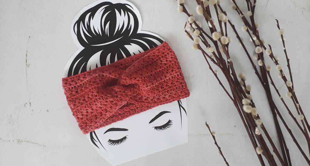Gehaakte haarband, gehaakte haarband patroon, gehaakte haarband haakpatroon gratis | Happy in Red