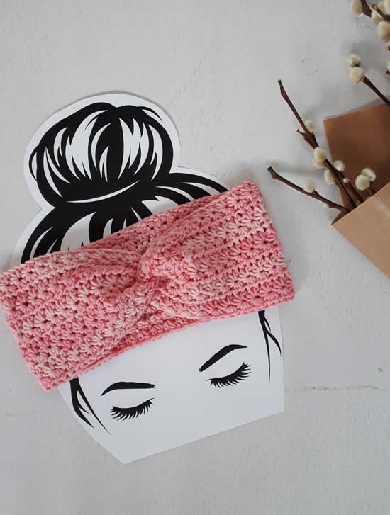 Crochet headband pattern free, crochet turban pattern free, crochet hairband pattern free | Happy in Red