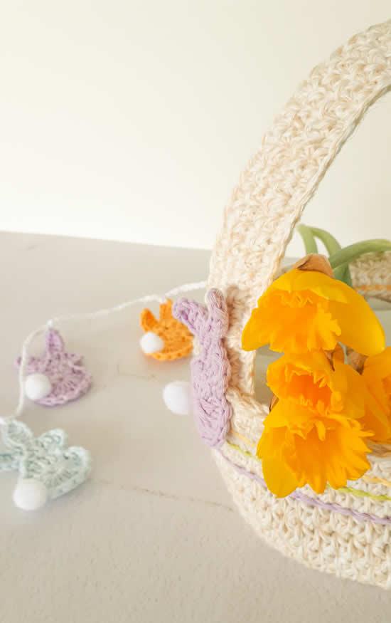 Crochet Easter Basket pattern | Gehaakt paasmandje gratis haakpatroon | Happy in Red