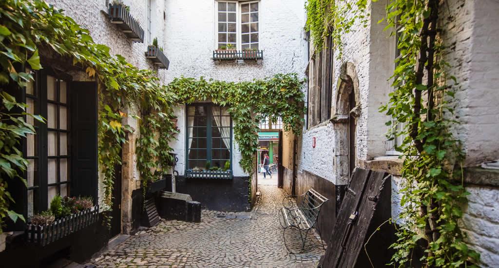 Top things to do in Antwerp, Belgium | Antwerp, Belgium | Happy in Red