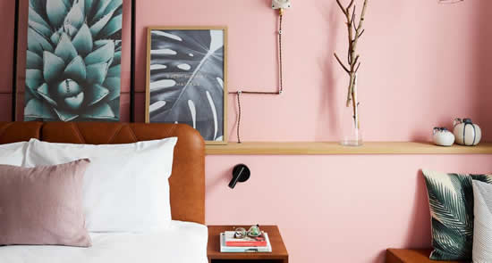 Hotel Indigo Antwerpen | Happy in Red