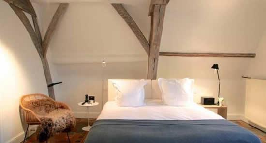 Hotel Julien, Antwerpen | Happy in Red
