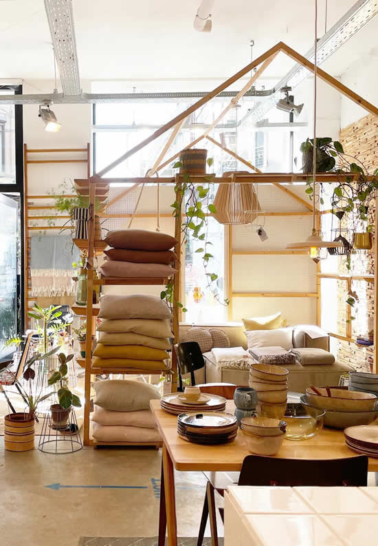 Winkelen in Antwerpen | Shopping in Antwerp, Belgium | photo by Rewinddesign